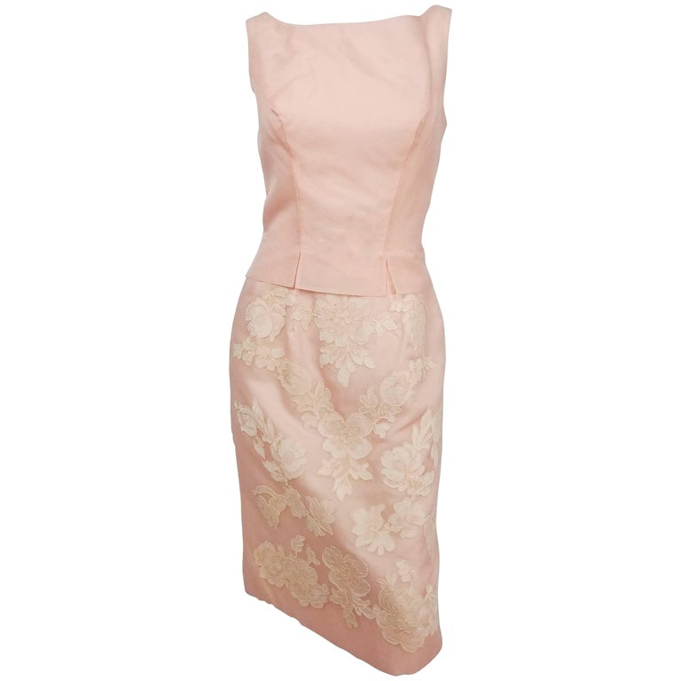 Petal Pink Organza Cocktail Dress w/ Lace Appliqué, 1960s For Sale