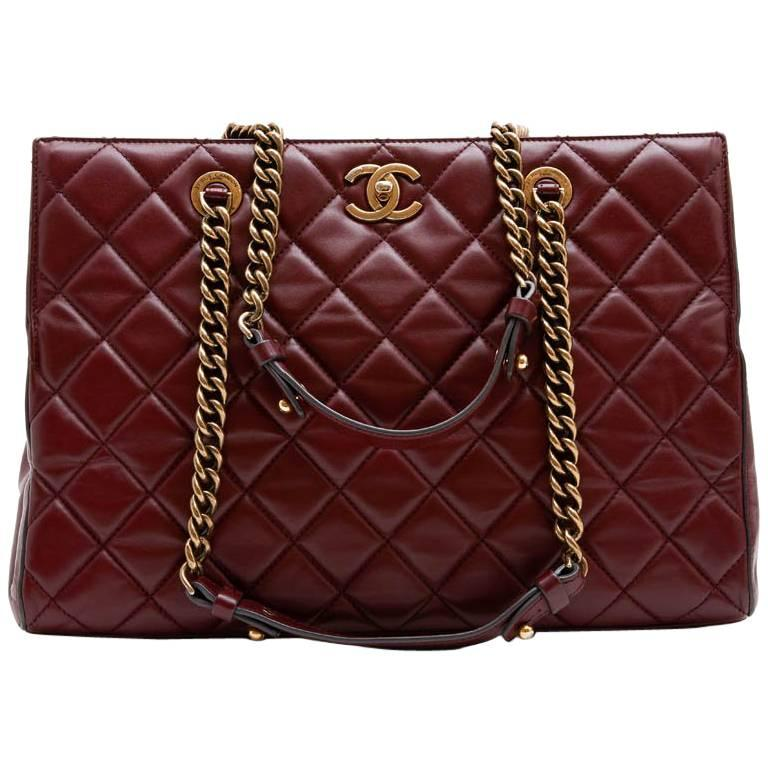 Chanel Tote Bag In Burgundy Quilted Leather For
