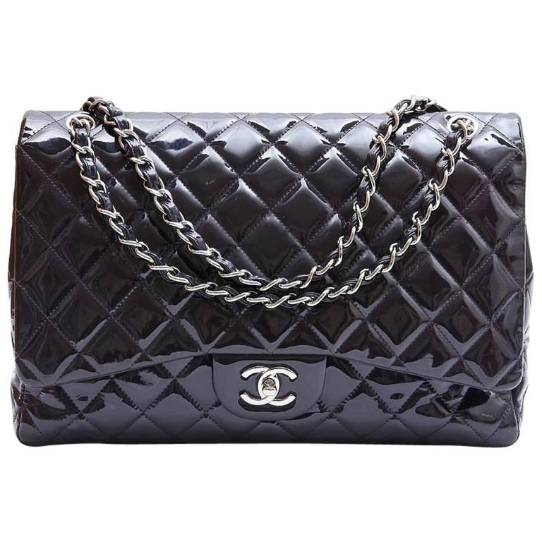 CHANEL Maxi Jumbo Bag in Purple Patent Leather