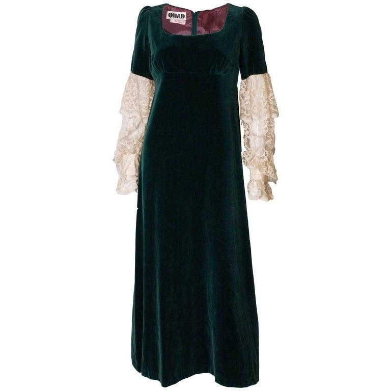 Quad Vintage green velvet Gown For Sale at 1stdibs
