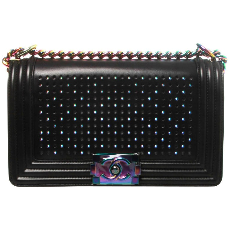 Chanel Led Old Medium Boy Chanel 2.0 Flap Bag For Sale at 1stdibs b147ceff8acdf