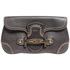 Pebbled Leather Gucci Clutch in Graphite Grey