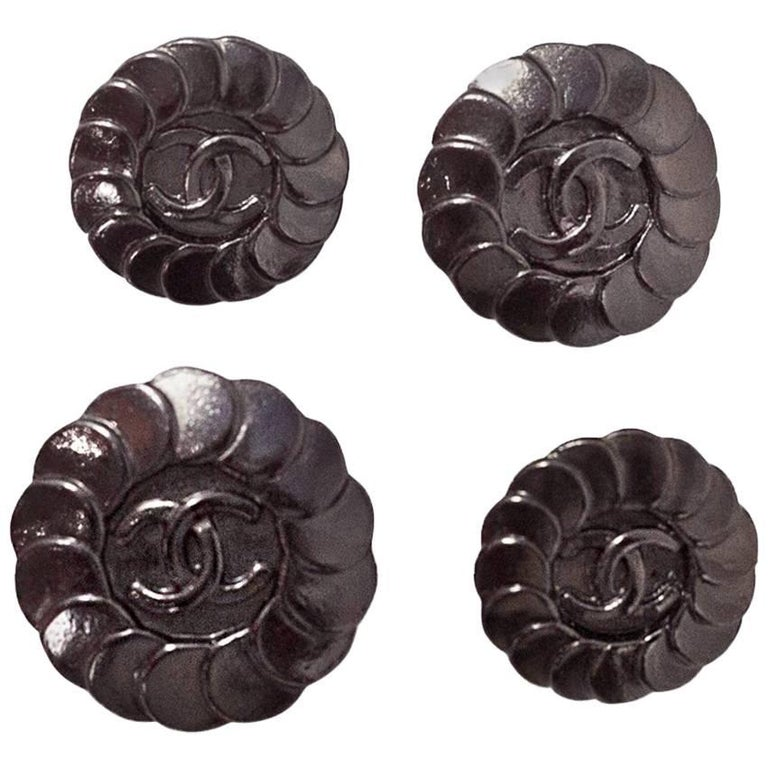 Chanel 1997 Set of Four 18/20/22mm Gunmetal Disc CC Buttons For Sale