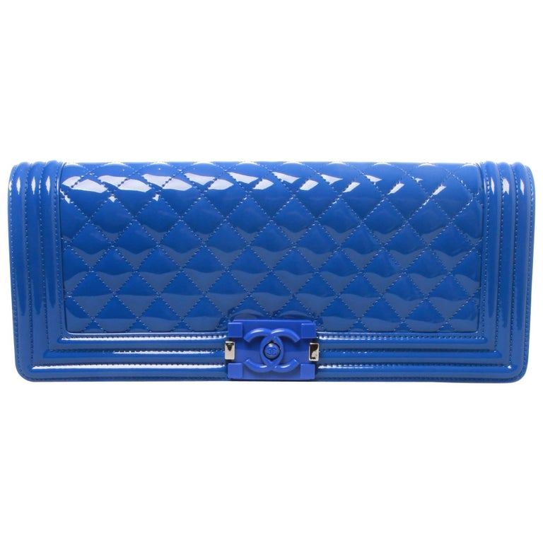 ef9fac18d7ea Chanel Patent Leather SHW Boy Clutch Bag For Sale at 1stdibs