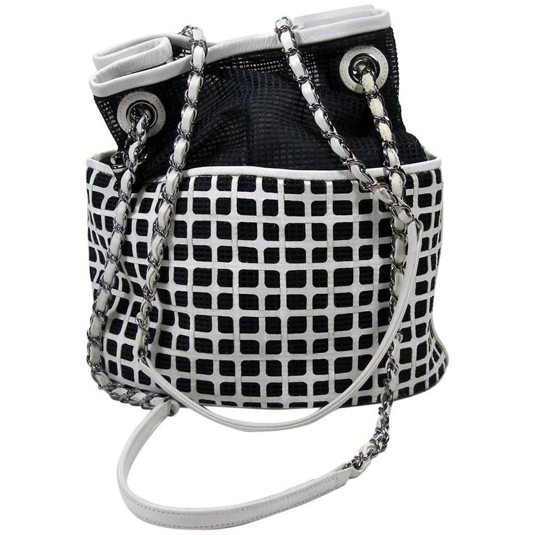 Edition Limited Chanel White Leather and Mesh Black Fabric Bucket Shoulder Bag