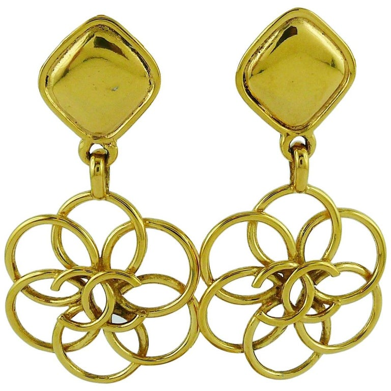 Chanel Vintage Gold Toned CC Flower Dangling Earrings For Sale