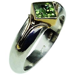 Sparkling Peridot in Sterling Silver Ring with 18kt Gold accents