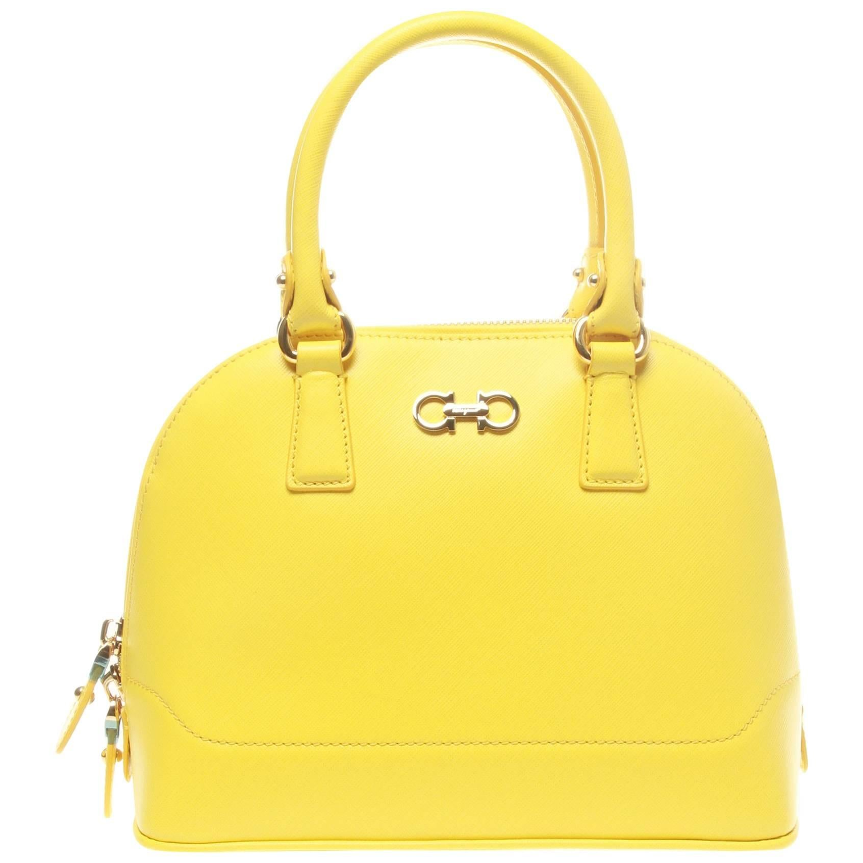 1stdibs Salvatore Ferragamo Yellow Darina Crossbody Bag KISTNif