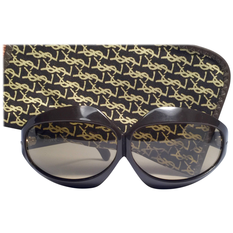 New Vintage Yves Saint Laurent YSL Oversized Bug Eye 1970 France Sunglasses