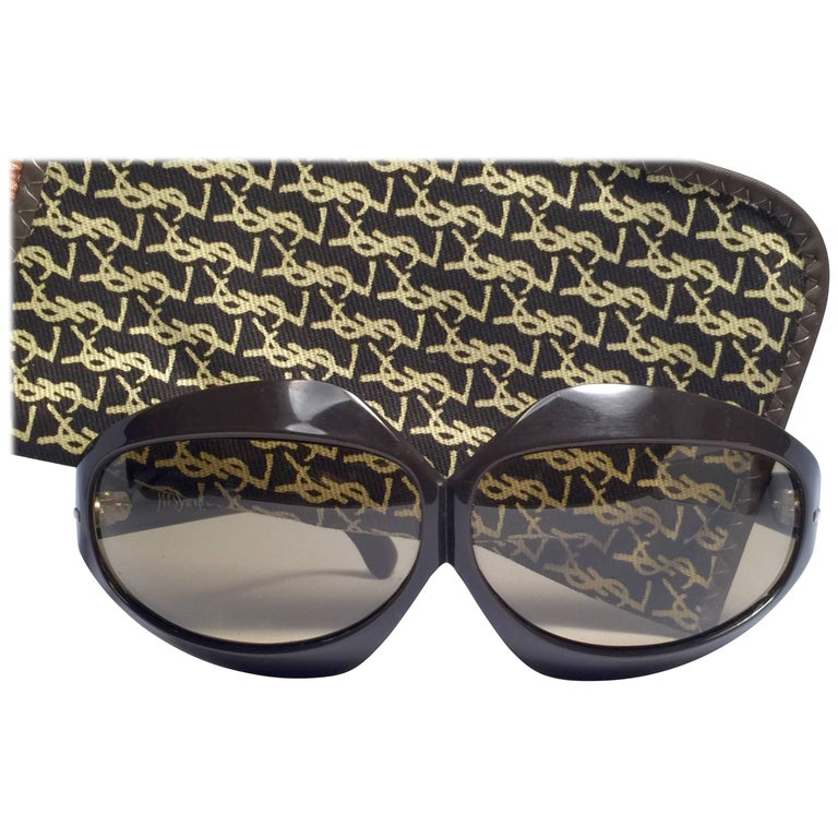 New Vintage Yves Saint Laurent YSL Oversized Bug Eye 1970 France Sunglasses