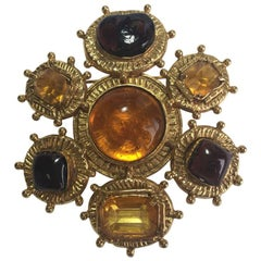 CHANEL Couture Brooch in Gilt Metal and Molten Glass