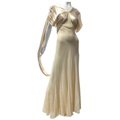 Hattie Carnegie Art Deco Bias Gown in Candlelight Silk Satin and Chiffon, 1930s
