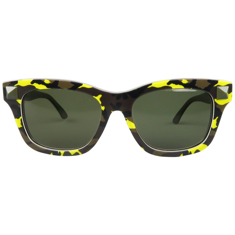VALENTINO Olive & Lime Green Camouflage Acetate Rockstud Wayfarer Sunglasses For Sale