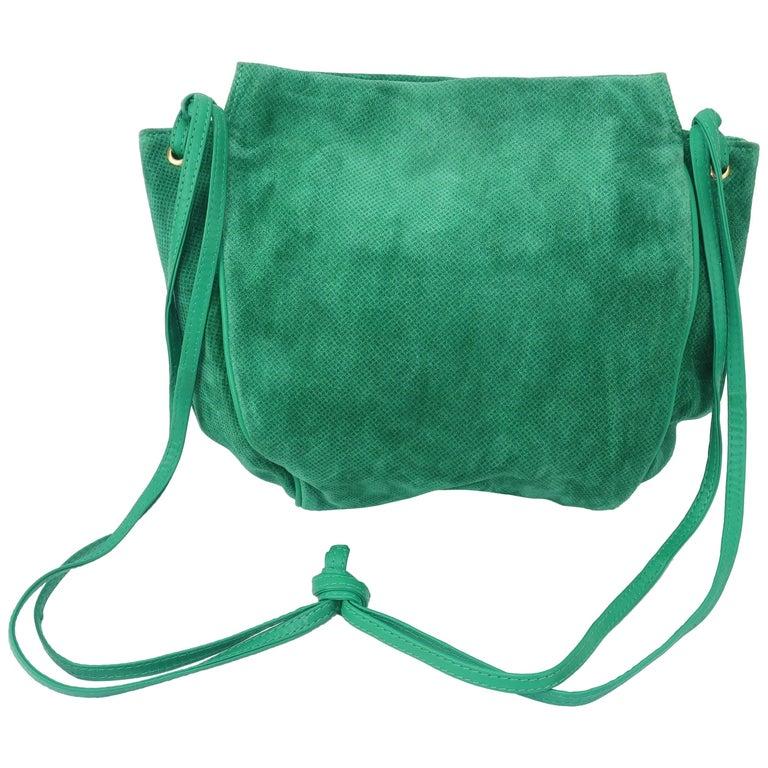 949733e3c279 Vintage Bottega Veneta Green Suede Leather Hobo Handbag at 1stdibs