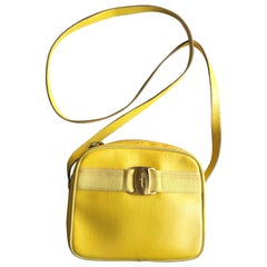 Vintage Salvatore Ferragamo lizard embossed yellow leather shoulder bag. Vara