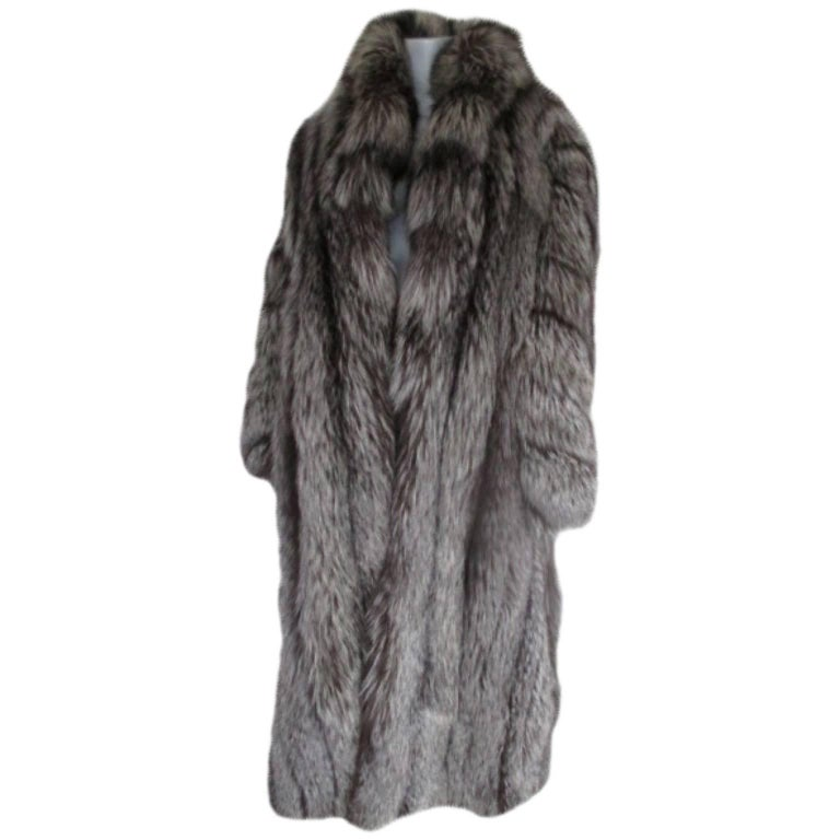 d56d6e68b Men's or Women's long silver fox fur coat For Sale at 1stdibs