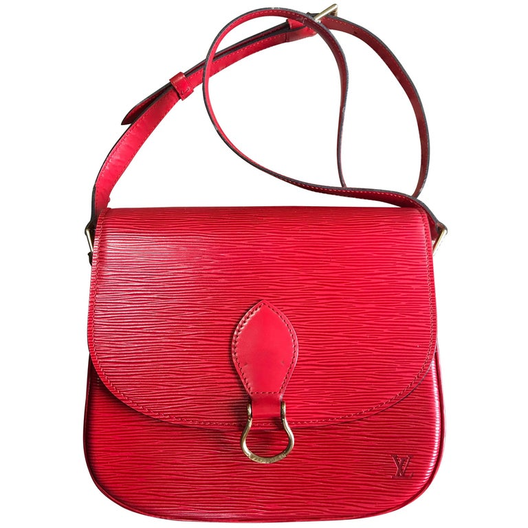Vintage Louis Vuitton red epi leather shoulder bag. Classic purse. Beautiful.