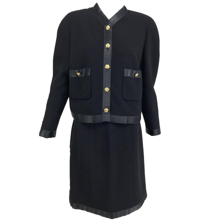 Chanel black wool satin trimmed skirt suit 1990s For Sale