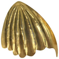 Mary McFadden golden sea shell belt buckle