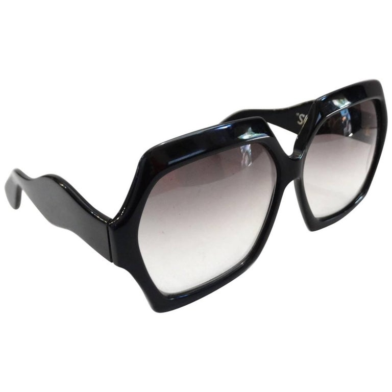 e1470e452a9 1970s Ultra Sultry Model Sunglasses For Sale at 1stdibs