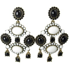 Vintage 1980s Black And White Cabochon Dangling Earrings