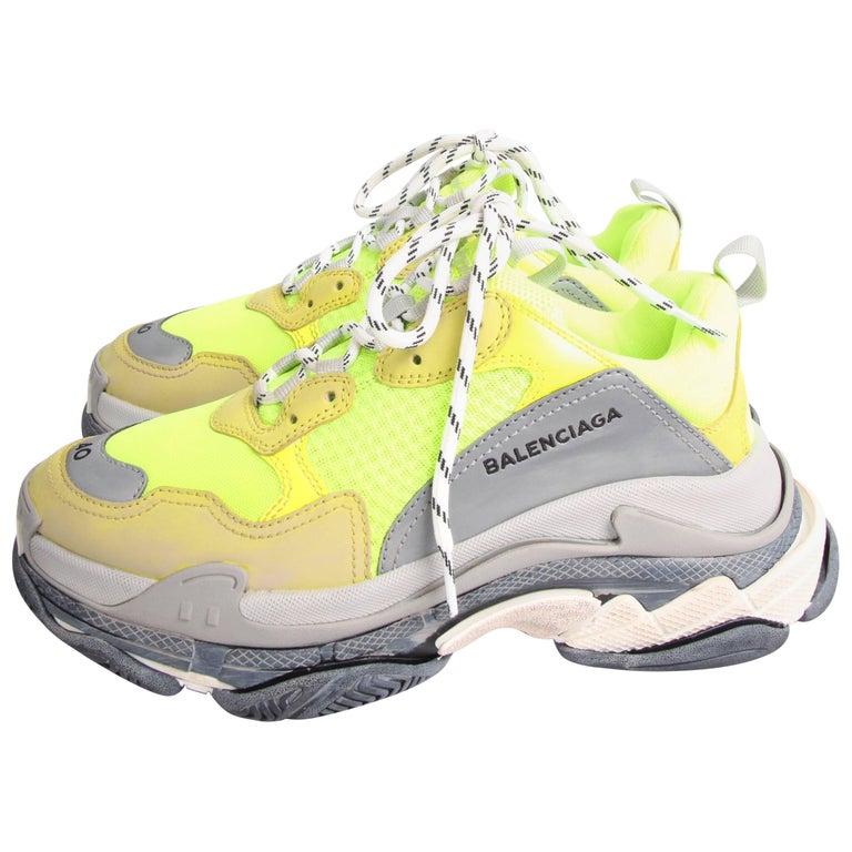 Balenciaga Tess Triple S Sneaker - fluorescent yellow/grey