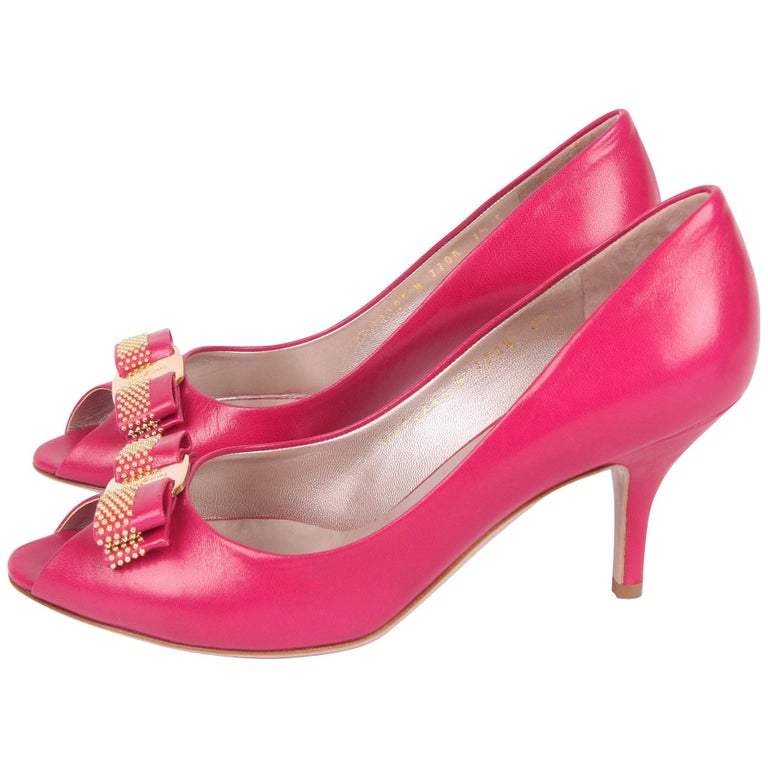 Salvatore Ferragamo pink leather Peep Toe Pumps