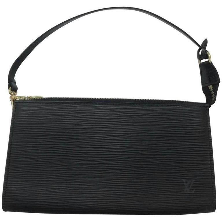 Louis Vuitton Epi Pochette Accessories GM in Black Wristlet Hand Bag