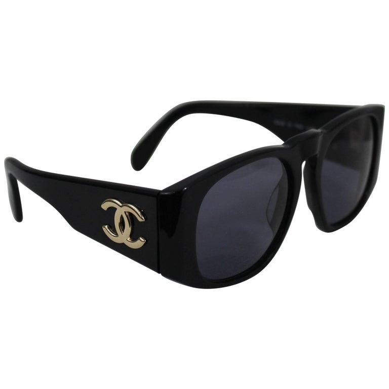 db02c4631e0 Vintage Chanel Logo Sunglasses at 1stdibs