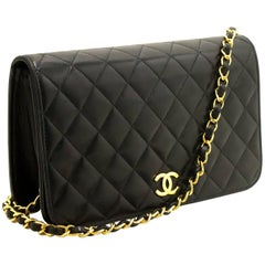 Chanel Chain Black Quilted Flap Lambskin Shoulder Bag Clutch