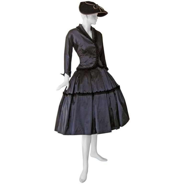 1954 Christian Dior Haute Couture 'Lily of the Valley' Satin Evening Dress Suit For Sale