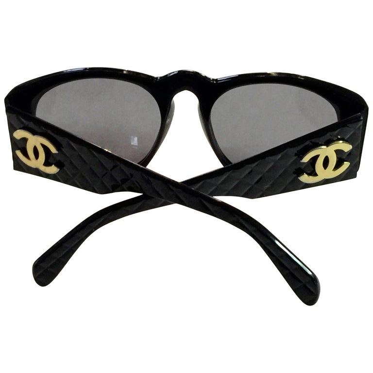 Classic Black Quilted Plastic CHANEL CC Sunglasses