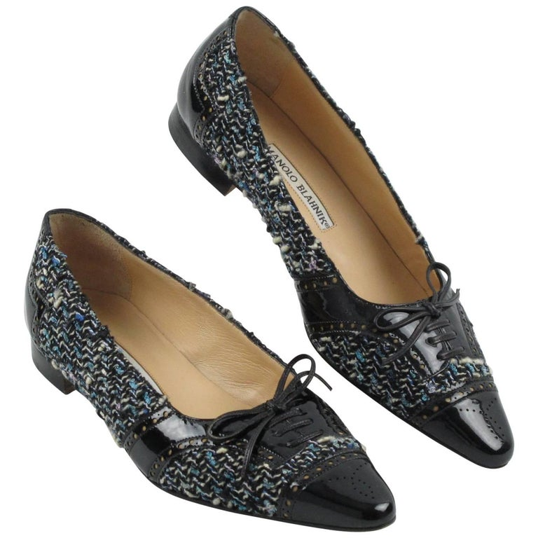 Manolo Blahnik Black Patent Leather and Tweed Fabric Flats Shoes Size 37.5 / 7.5 For Sale