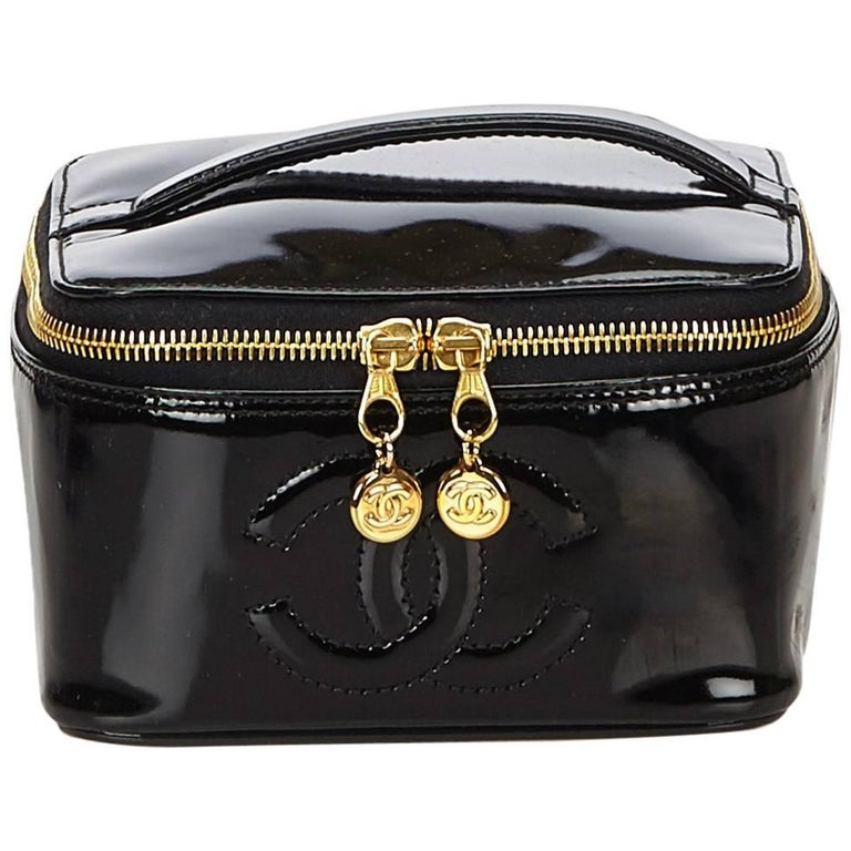 77f6cd893926 Chanel Black Patent Leather Vanity Bag For Sale at 1stdibs