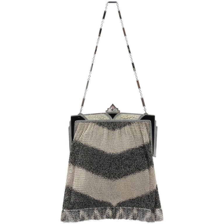 ART DECO c.1920's Gray Chevron Metal Mesh Enamel Frame Top Flapper Evening Purse For Sale