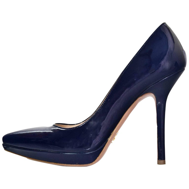 Prada Navy Patent Leather Vernice Donna Pumps Sz 37.5 For Sale at ...
