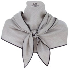 Hermès Diamond shaped Cashmere Silk Men's Beige Brown GM Wrap Losange Scarf
