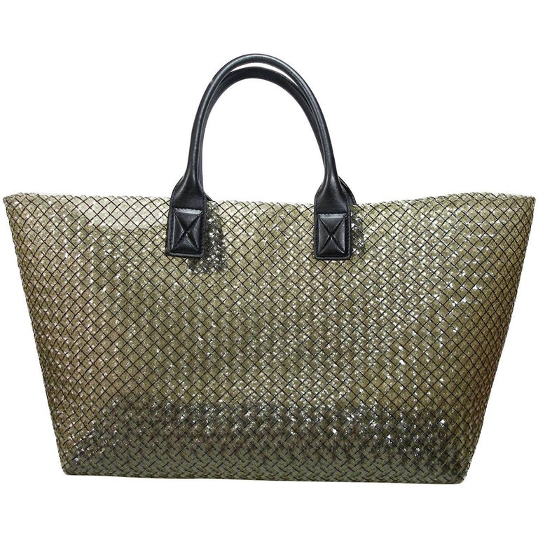 FAN-TAS-TIC Edition Limited Bottega Veneta Crystal Tote Bag GM Size / Year 2012  For Sale