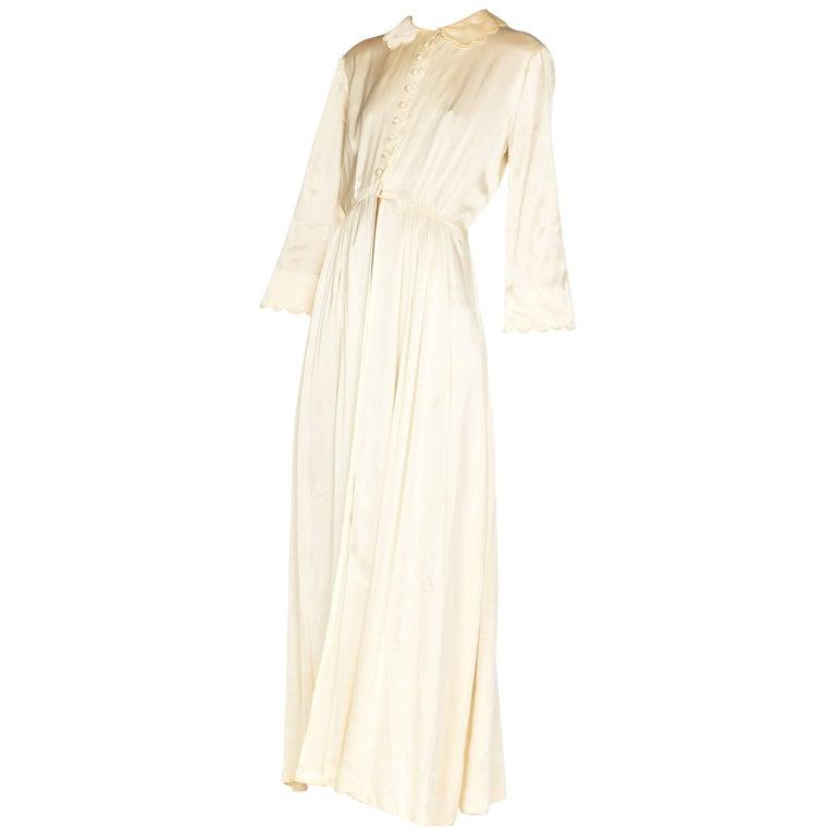 Rich Crepe back Satin Boudoir Robe Dressing Gown Peignoir, 1940s For Sale