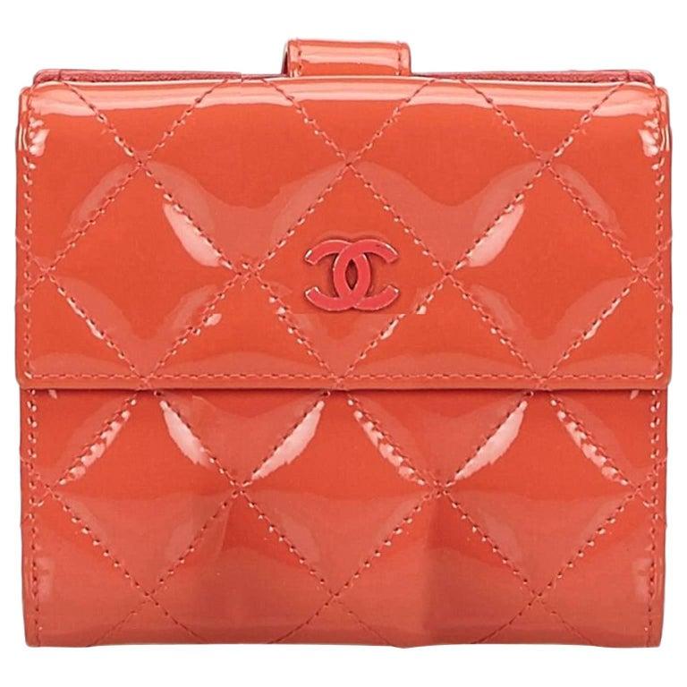 Chanel 1995 Pink Heart Mirror Vanity Case Bag At 1stdibs