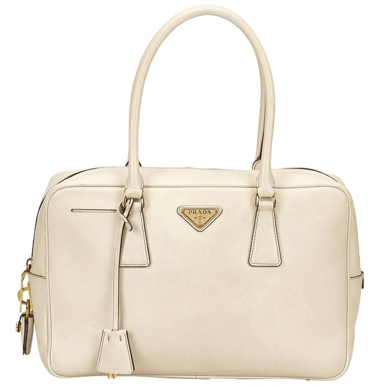 cbcff4c18526 Prada White Saffiano Leather Handbag For Sale at 1stdibs