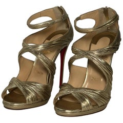 Christian Louboutin Stiletto Kashou Nappa Laminata in Light Gold