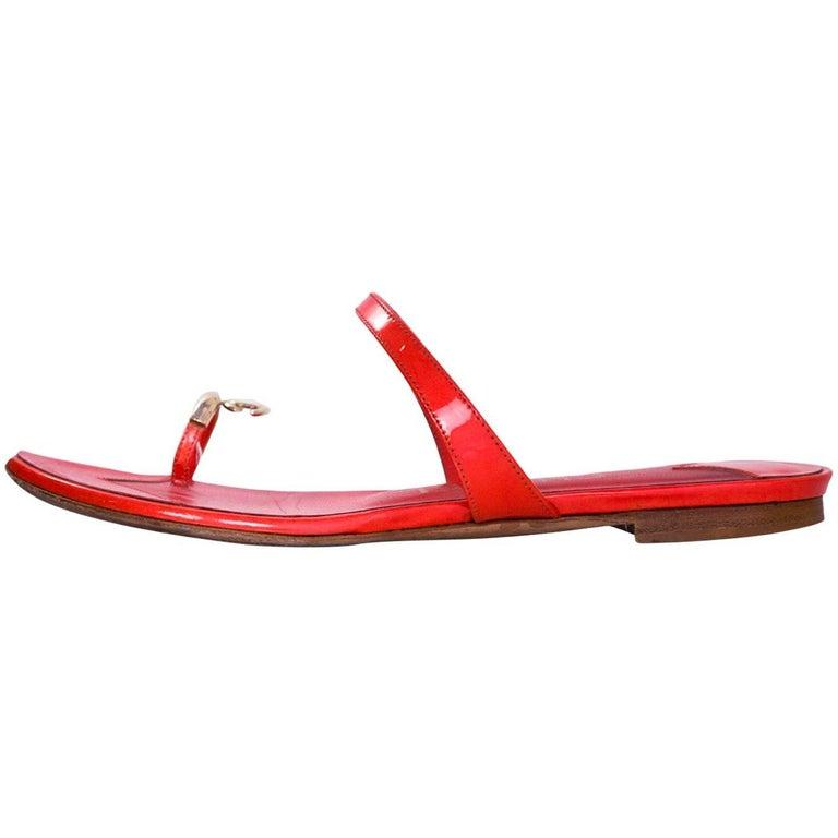 Chanel Coral Patent Leather CC Toe Sandals Sz 36
