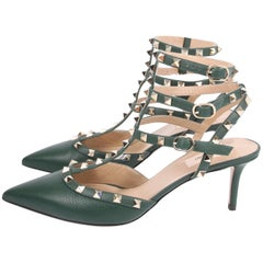 Valentino Rockstud Pumps - green