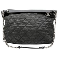 CHANEL Tote Bag Bag in Gray iridescent Quilted Leather