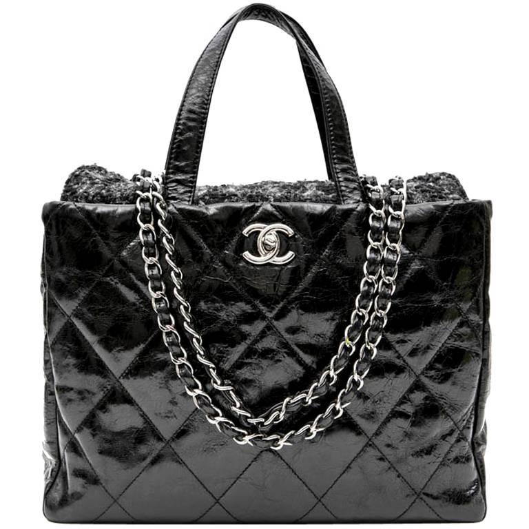 d3f7d9a7f3db CHANEL Flap Bag in Black Patent Leather and Gray Tweed For Sale at 1stdibs