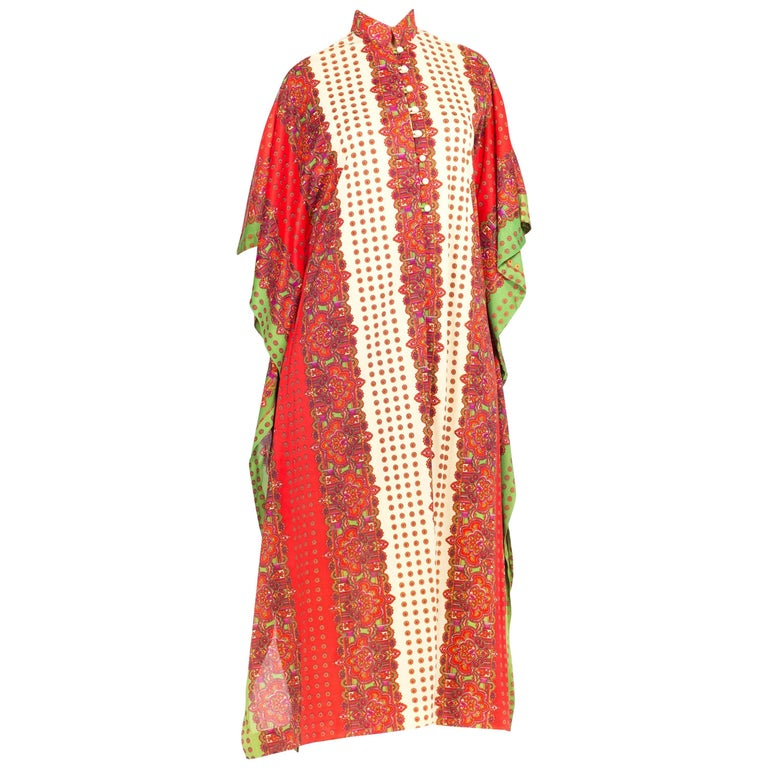 Ethnic Silky Paisley Button Up Kaftan, 1970s