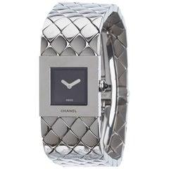 Chanel Ladies Vintage Silver Matelasse Quilt Acier Quartz Wristwatch, 1993