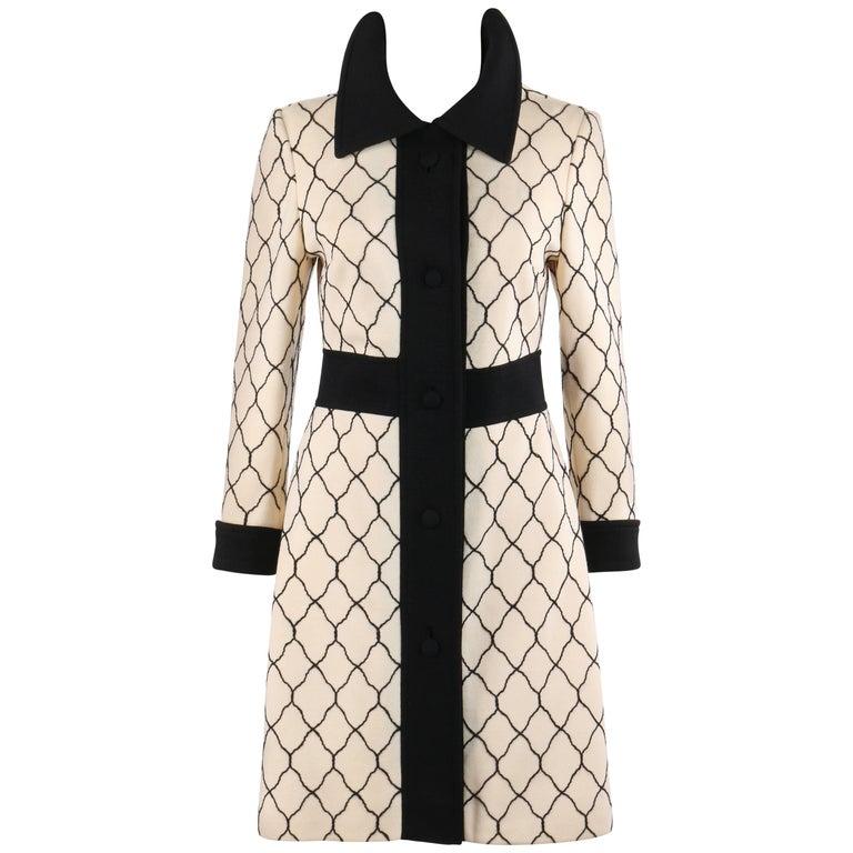 LILLI ANN Knit c.1960's Cream & Black Quatrefoil Lattice Pattern Wool Car Coat