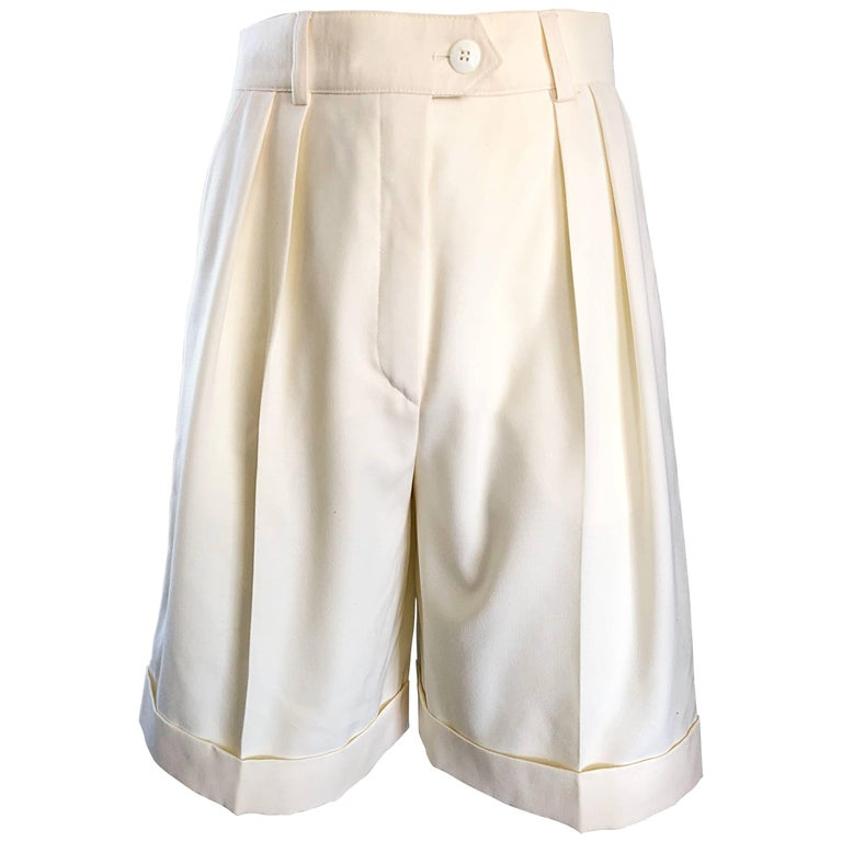 New w/ Tags Vintage Escada 1980s Ivory Wool Vintage Wide Leg Culottes 80s Shorts For Sale